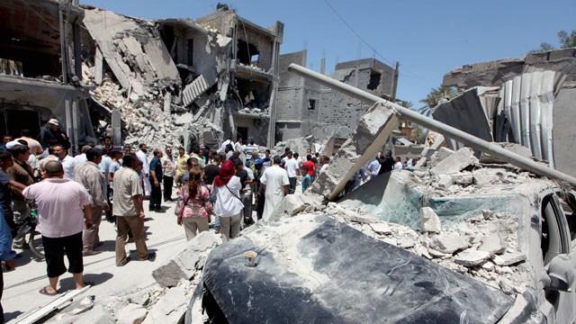 Οι βομβαρδισμοί του ΝΑΤΟ στη Λιβύη. Φωτό www.redphoenixapl.org