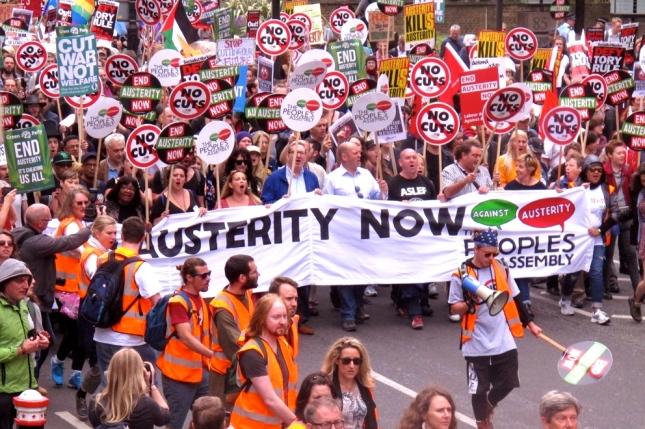 Από τη μεγάλη πορεία του Σαββάτου στο Λονδίνο ενάντια στη λιτότητα. Φωτό News Line.