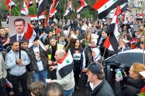 Διαδήλωση για τη νίκη της Συρίας στο Λονδίνο.