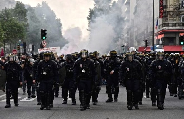 French-Riots7