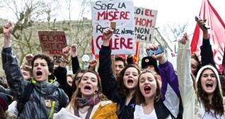 Από μεγάλη διαδήλωση μαθητών στο Παρίσι ενάντια στο αντεργατικό νομοσχέδιο του Ολάντ στις 16/3/2016. Φωτό Caroline Blumberg.