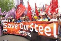 Από διαδήλωση στο Λονδίνο εργατών χαλυβουργίας ενάντια στο κλείσιμο του εργοστασίου. Η γραφειοκρατική ηγεσία αρνείται πάλη για την επανα-εθνικοποίηση των εργοστασίων και ανατροπή της δεξιάς κυβέρνησης των Τόριδων Φωτό News Line.