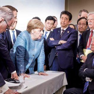 Από τη συνάντηση G7 στο Κεμπέκ του Καναδά την προηγούμενη Παρακσευή και Σαββάτο. Η Μέρκελ συζητά με τον Τραμπ. Φωτό Toronto Star / Γερμανική Κυβέρνηση.