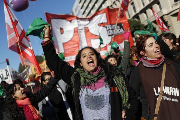 Δαωιδ Φερνανδεz EPA-EFE General-strike-brings-Argentina-to-a-halt-1